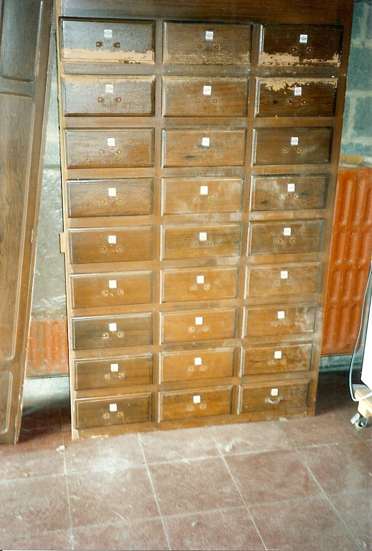 Cirage restauration de meubles schollaert for Restauration de meubles